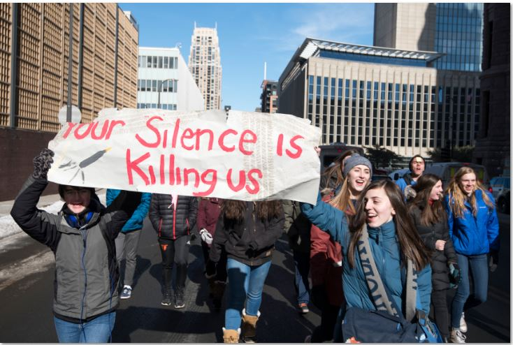 Students+protest+government%27s+inaction+to+gun+control.