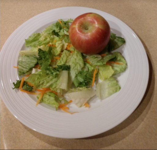 This healthy meal, consisting of an apple and a salad, is this considered healthy?