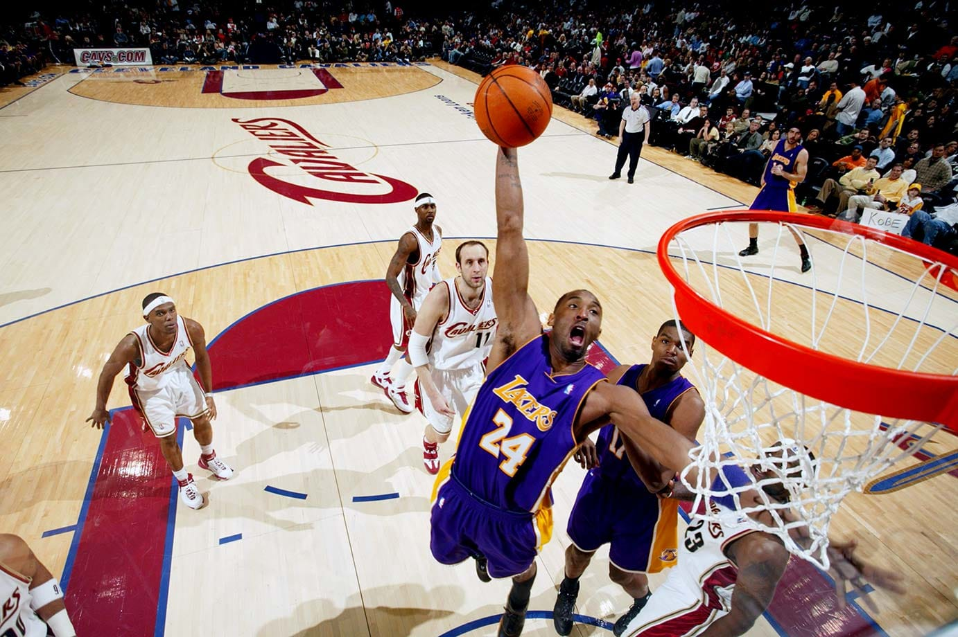 Kobe Bryant goes up for a dunk against the Cleveland Cavaliers on Feb. 11, 2007