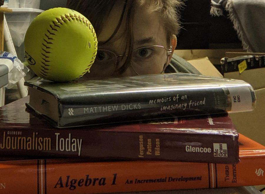 Kasen Ryberg ('24) juggles several things during virtual learning and times are tough for students.